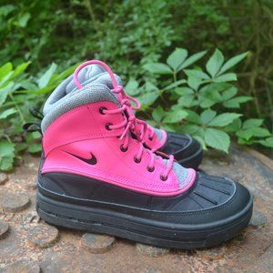 Nike Girls Multicolor Duck Boots Size US 6.5Y